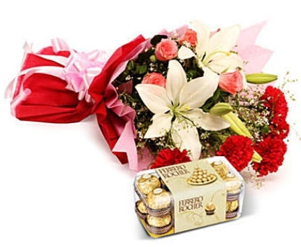 Karışık buket ve kutu çikolata  Tekirdağ hediye çiçek yolla
