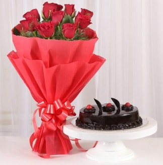 10 Adet kırmızı gül ve 4 kişilik yaş pasta  Tekirdağ internetten çiçek siparişi